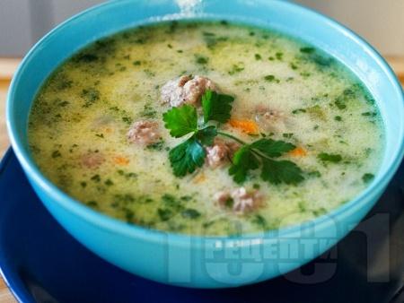 Традиционна супа топчета с телешка кайма, ориз и застройка - класическа рецепта - снимка на рецептата